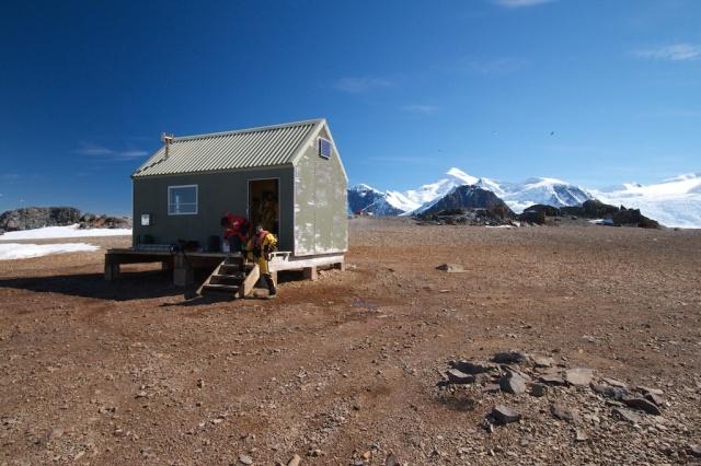 Lagoon Island hut